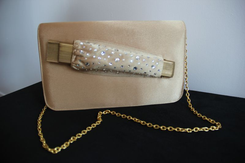 Pochette satin or